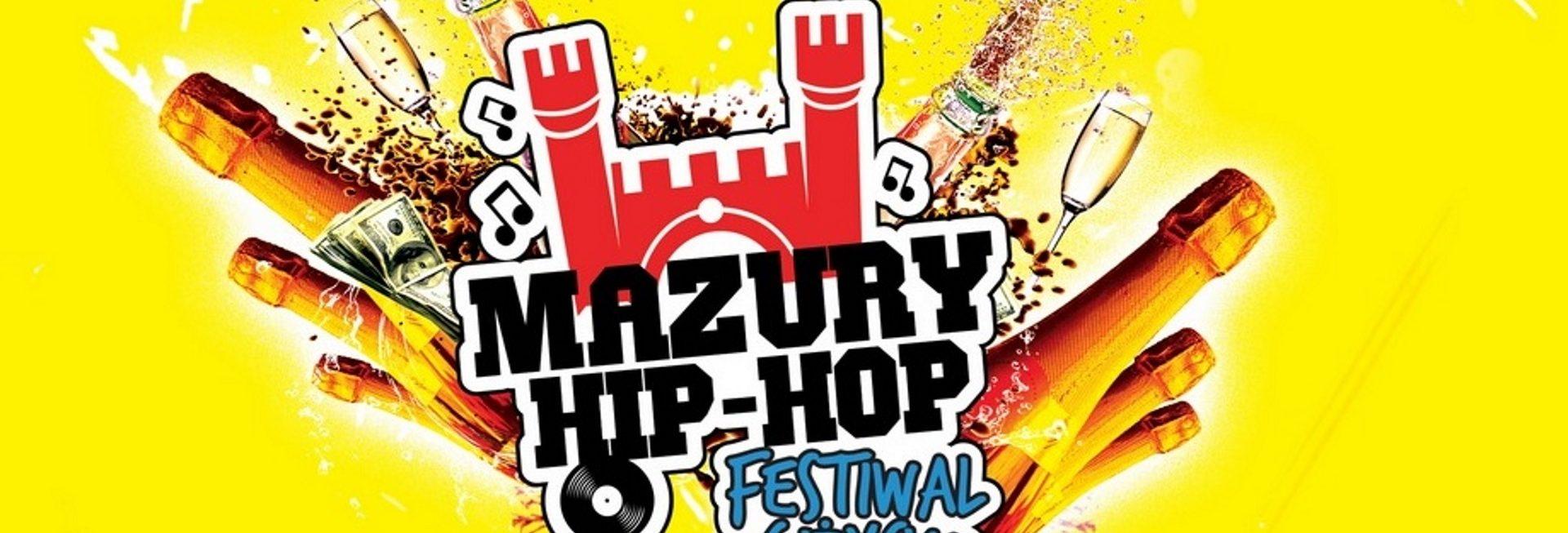 Zdjęcie to plakat zapraszający na Festiwal Mazury Hip-Hop 2020. Na plakacie graficznie pokazana brama Twierdzy Boyen w Giżycku oraz grafika butelek od szampana i kieliszków. Tło plakatu żółte.