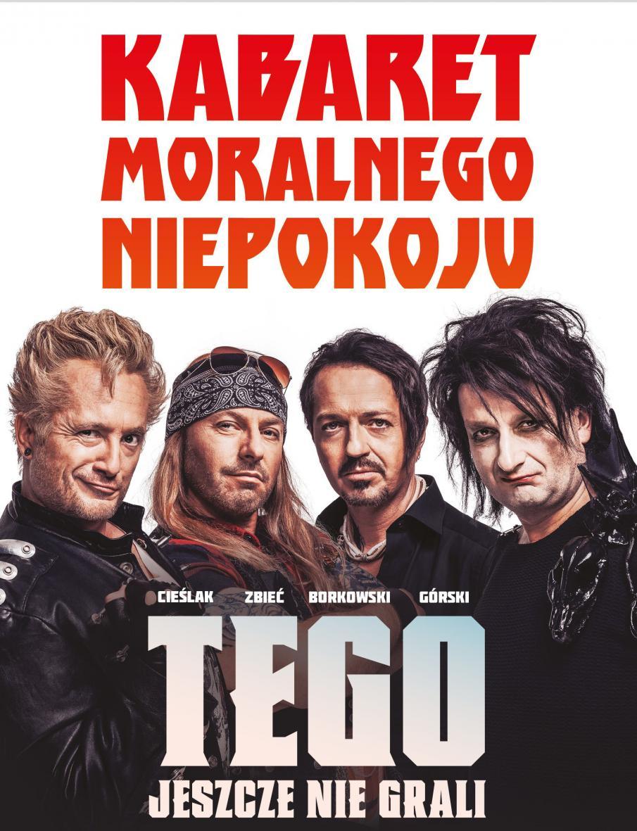 Zdjęcie - plakat zapraszający na występ Kabaretu Moralnego Niepokoju. Na plakacie czterech członków Kabaretu ubranych i ucharakteryzowanych na jako faceci o mocnych charakterach.