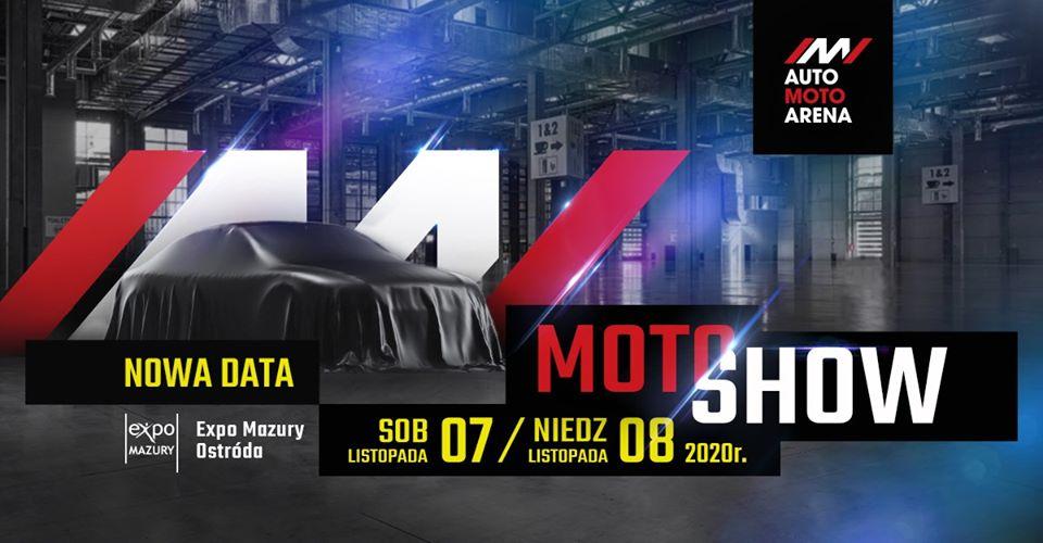 Plakat zapraszający do Ostródy na Auto Moto Show Arena Expo Mazury 2020. Tłem plakatu jest zdjęcie hali wystawowej oraz zakryte płachtą auto. Na plakacie informacja i data o imprezie.