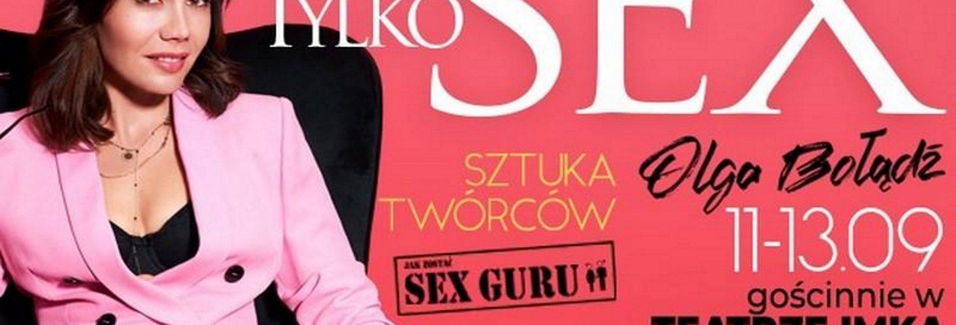 Zdjęcie - Plakat na który widoczna jest aktorka Olga Bołądź. Na plakacie są napisy zapraszające na spektakl. Tło plakatu kolor czerwony.