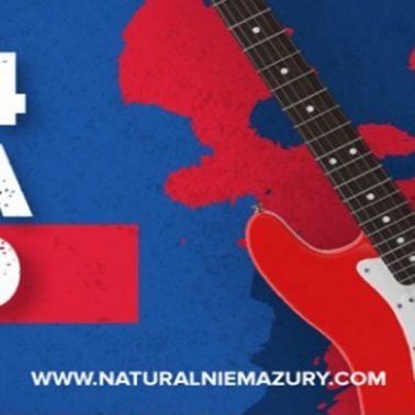 Zdjęcie. plakat zapraszający do Węgorzewa na Festiwal Naturalnie Mazury 2020. Na plakacie informacja o imprezie data, zdjęcie gitary oraz logo graficzne festiwalu.