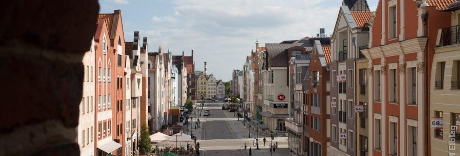 Panorama starówki Elbląga. Na zdjęciu budynki Starego Miasta - dreptak na starówce.