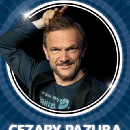 """Zapraszamy do Węgorzewa na występ Cezarego Pazury """"Wujek Czarek na żywo"""" – Węgorzewo 2021. Na zdjęciu artysta-aktor Cezary Pazura."""
