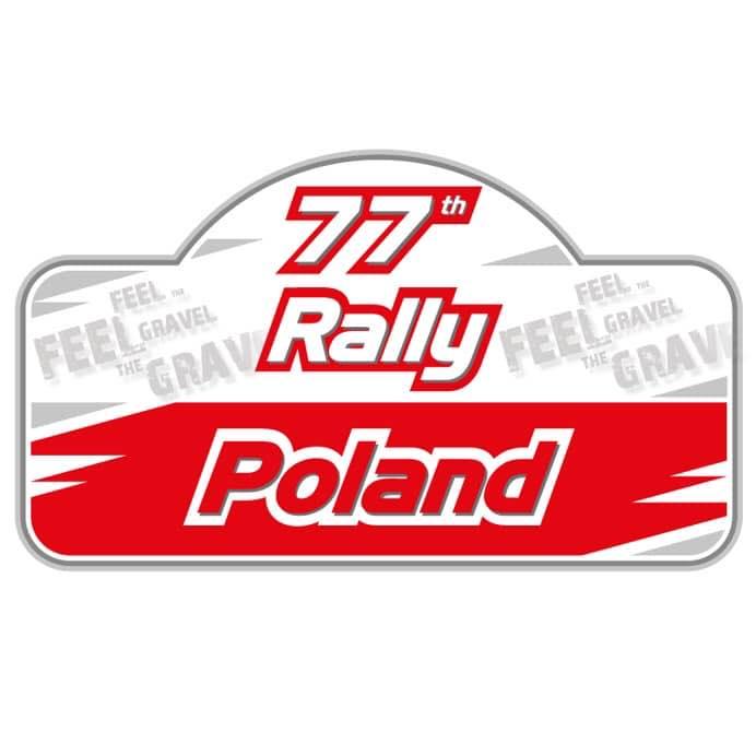 Plakat graficzny zapraszający do Mikołajek na 77. edycję Mazurskiego Rajdu Polski - Mikołajki 2021. Plakat jest logiem Rajdu. Tło plakatu biało czerwone a na nim napisy 77 Rally Poland.