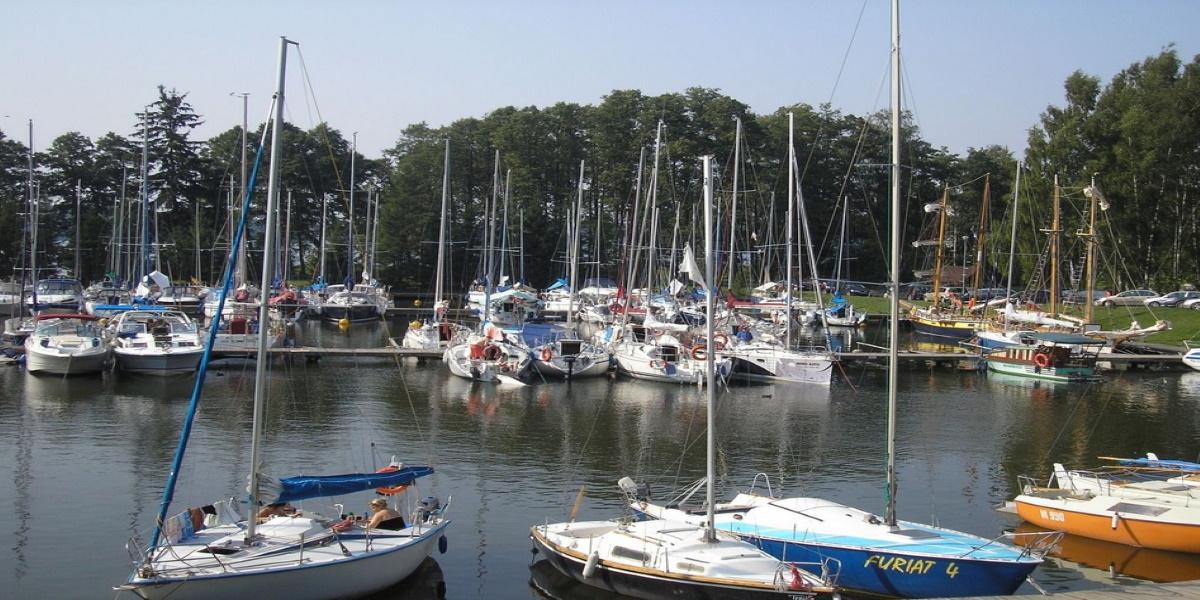 Port Korektywa w Piaskach - ekologiczna przystań żeglarska ekomarina.